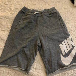 Nike Boys Gray Shorts Size L GUC